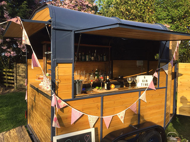 horse box bar hire