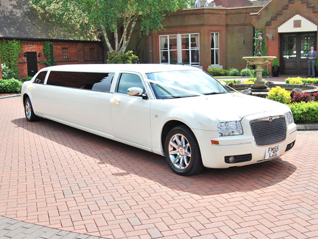 Outside view of Chrysler 300 Limousine